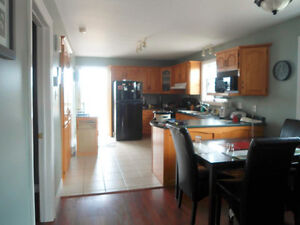 Big and Bright Full House for Rent in Cowan Heights St. John's Newfoundland image 3