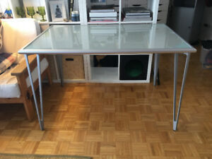 Bureau / Table en verre trempé / Tempered glass desk / table