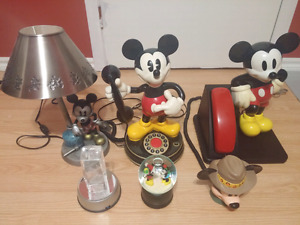 Collection Mickey Mouse Disney Telephones Vintage, snowglobe etc