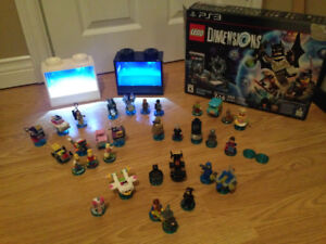 Lego Dimensions Stater Set for PS, Lego Display and 31 Items.