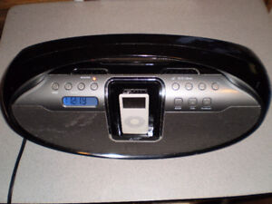 iLive Portable CD Player Radio iPod AUX in-out Boombox