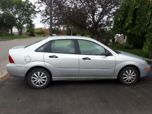 Ford Focus 4ZX 2005 for $1800 in very good condition