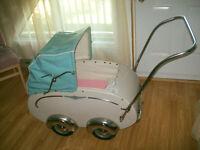 Carrosse de bebe antique