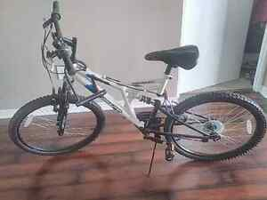 "Mountain Bike 18"" wheels Brand New"