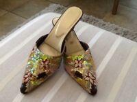 Sequinned pointed heels