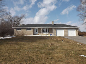3 bedroom bungalow + 10 acres in the City!! 3238 Creekford Road