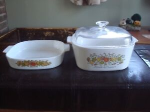 2 Casserole dishes/Lid