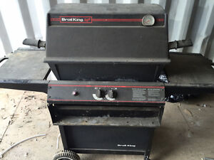 Used Broil King BBQ must go! Cambridge Kitchener Area image 1