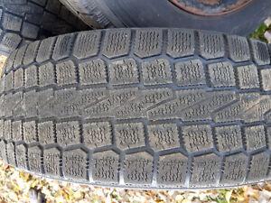 4 pneus hiver 205 60 16 sur rim Saguenay Saguenay-Lac-Saint-Jean image 2