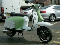 ROYAL ALLOY GT 125cc AC A Modern Classic Retro Automatic Moped Scooter