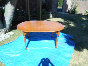 maple table and chair