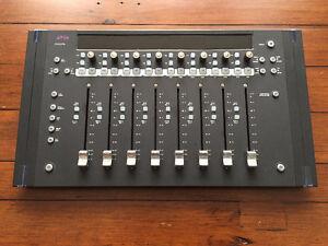 AVID ARTIST MIX - DAW controller