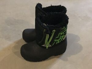 Winter boots / snow boots size 7