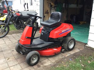 Snapper Lawn Tractor ( 30 inch cut )