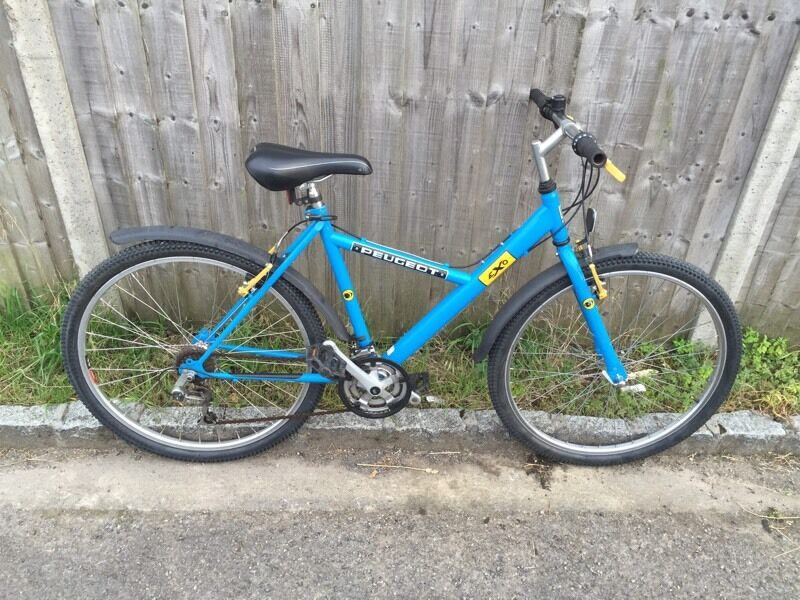 Peugeot Exo Mountain bike. Lovely condition. Free Lock/Lights/Delivery