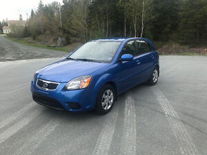 2010 Kia Rio Hatchback    5 SPEED   MINT