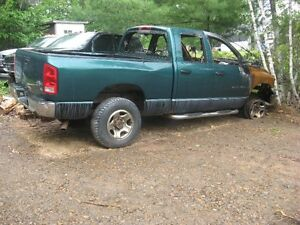 PARTING OUT 2003 RAM 2500 HEMI