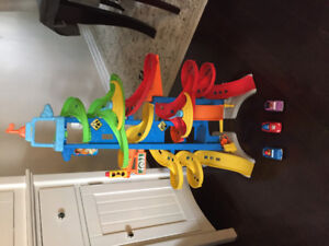 Fisher price, skyway racing track