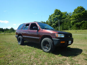 1997 Nissan Pathfinder- Low Kms, No Body Rust