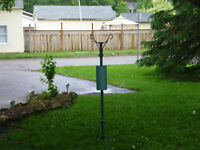 BIRD FEEDER OR PLANT STAND
