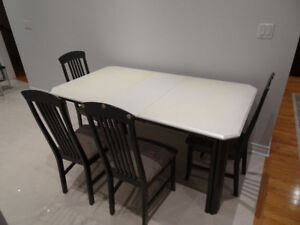 High Quality KITCHEN/DINING Table Expendable + 4 Chairs