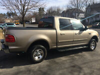 Ford F-150 XLT 4 PORTES 4X4 IMPECABLE
