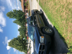 2200$ dodge dakota