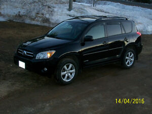 """2007 Toyota RAV4 4x4.  """"Please No emails.. posting for a friend"""""""