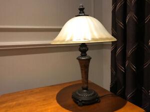 Ensemble de 2 lampes sur pied et sur table