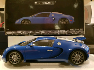 1:18 Diecast MiniChamps 2009 Bugatti Veyron Light / Dark Blue