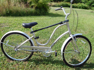 CHRISTMAS IS COMING-Electra Townie 3i Ladies Bicycle-