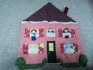 Finger Puppet Wall-Hanging