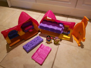 Little People Seven Dwarfs house