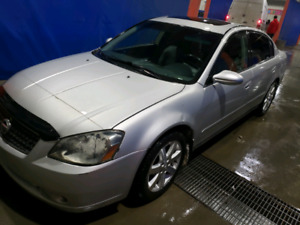 2006 Nissan Altima SL in good running condition leather loaded