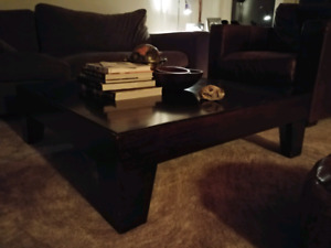 Coffee table /  Table de salon