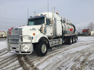 MUST SELL, 2013 Vac Truck / Tri drive / Low KM's and HRS