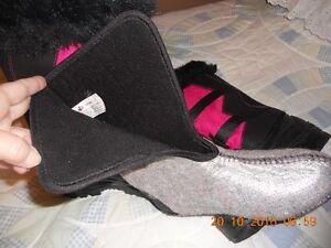 NEW - Womens Winter Boots -  Size 7       Made in Canada Gatineau Ottawa / Gatineau Area image 4