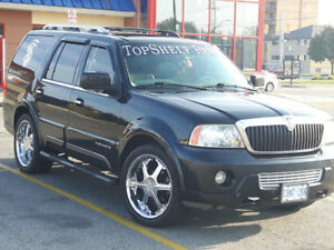 Lincoln navigator 4x4 loaded.  Winter tires included!