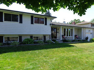 Fully Renovated with High-End Finishes (Close to 403)