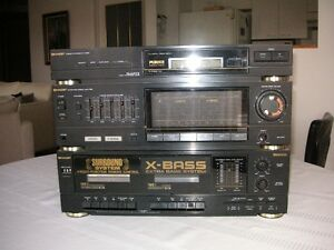 Système de son Sharp sound system.