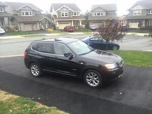 2011 BMW X3 28i Tech + Premium - extended warranty to 160K km