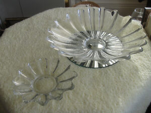 ELEGANT OLD VINTAGE 2-PC.HEAVY CLEAR GLASS CHIP N' DIP DUO