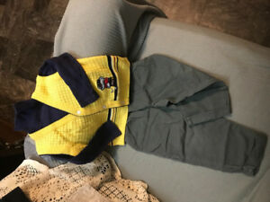 Boys Outfit (Size 3T)