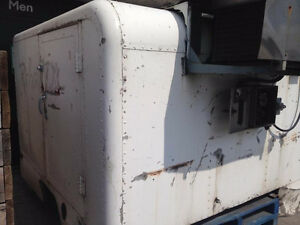 Refrigerated truck body - must go