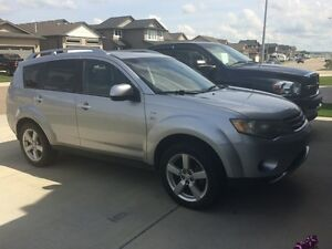 2008 Mitsubishi Outlander XLS in excellent condition!!