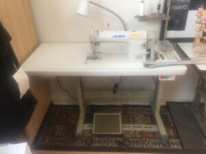 Industrial JUKI sewing machine great condition, overlock machine