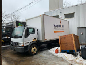 Camion Ford LCF 2007 avec tailgate hydraulique