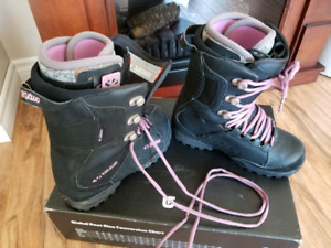 Thirtytwo Lashed Womens Snowboard Boot Size 9
