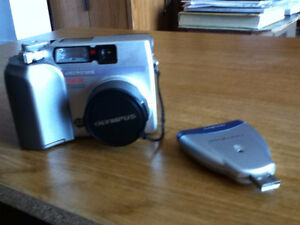 Olympus 3020 camera with card reader