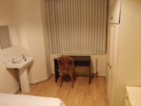Double Room available on Dunluce Avenue - 5 minutes from QUB